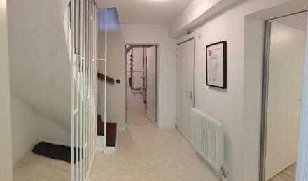 Doppeltes WG Zimmer für Dich in Haus mit Garten, Kamin und kleinem Hund