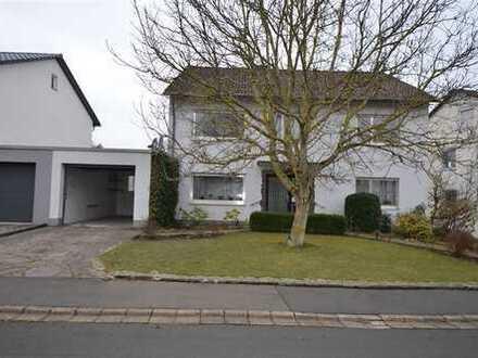 2-Familienhaus in ruhigem Wohngebiet mit Garagen, Kfz-Stellplätzen, Garten Gerolstein