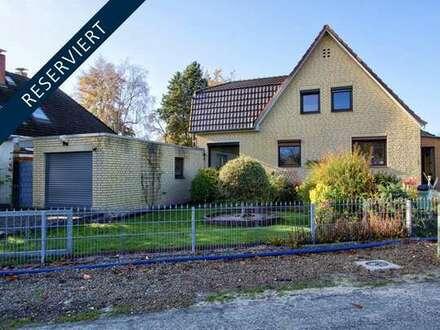 Modernisierungsbedürftiges Haus im Wilhelm-Busch-Viertel mit zwei Garagen