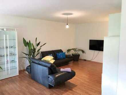 Gepflegte 3,5-Zimmer-Wohnung mit Balkon, Keller und Garage in Kuchen