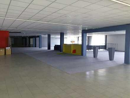 Ca. 1.000 m² Büro / Ausstellung für ca. 1.000 Ideen - und davon eine richtig gute: Ist es Ihre?