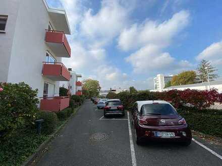 Helle & komplett renovierte Single-Wohnung mit Balkon in zentraler Lage!