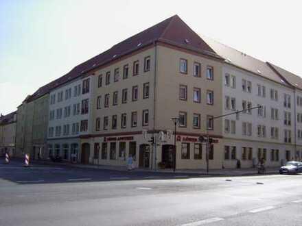 große 5-Raum-Wohnung mit Balkon in Citylage
