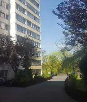 Kapitalanlage/Eigenbedarf: Großzügige 3 Zimmer Wohnung in der Stadtmitte von Offenbach