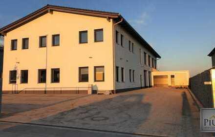 NEUBAU ERSTBEZUG! Moderne Gewerbehalle mit Büro und exklusiver Wohnung - alles unter einem Dach!