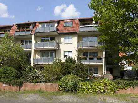 Sonnenhelle, bezugsfreie Etagenwohnung im 2. OG, Bj. 2000, Süd-West Balkon und PKW-Stellplatz