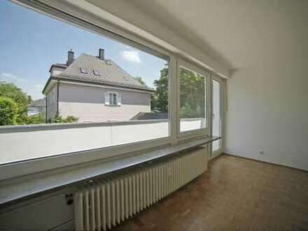 E & Co.- Top Harlaching ! Ruhige, gut geschnittene und helle 2 Zimmerwohnung mit großem Balkon.
