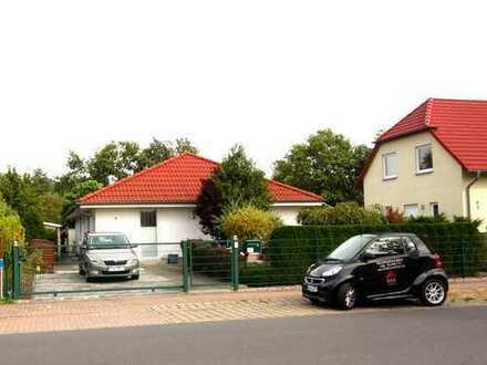 Schönes Haus mit vier Zimmern und Garten in Dahme-Spreewald (Kreis), Zeuthen