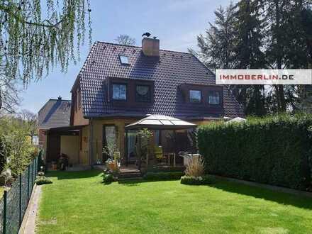 IMMOBERLIN: Toplage! Sehr gepflegte Doppelhaushälfte mit ruhigem Westgarten
