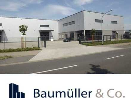 - 8.000 m² Halle + 1.000 m² Büro + 3.000 m² Freifläche -