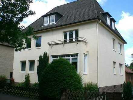 Langenhagen-Wiesenau + Großzüg. 3 Zim.- Wohnung in 4-Fam.-Haus + Nähe Stadtbahn +