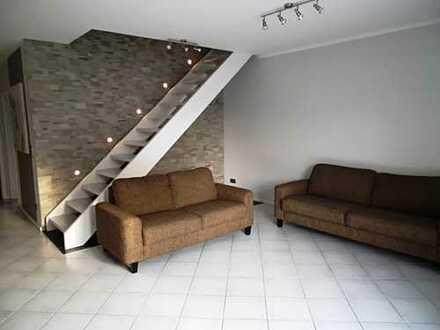 IMMOKONZEPT-NIEDERRHEIN: Mit Küche, sehr hochwertig, gepflegt und ruhig..Balkon..Stellplatz...