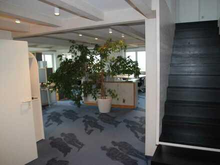 lichtdurchflutetes Büro/ausbaubar zu einer Wohnung
