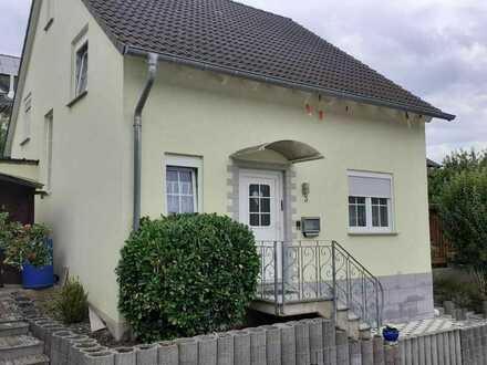 Gemütliches Einfamilienhaus mit vier Zimmern in Hahnenbach, Hahnenbach