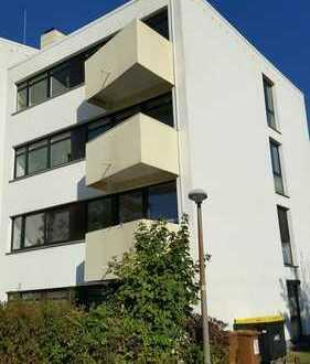 Modernisierte 3-Zimmer-Wohnung mit Balkon und Einbauküche in Stuhr/Grolland