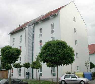 - helle 2-Raumwohnung im Dachgeschoss