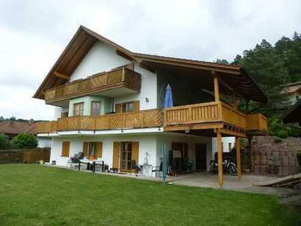 Attraktives Wohnhaus mit großem Grundstück