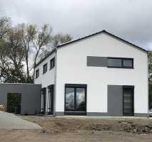 Schickes Einfamilienhaus (nach Ihrer Planung)