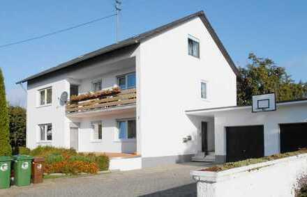 Sehr schönes Mehrgenerationenhaus mit 3 Wohnungen in Baar-Ebenhausen
