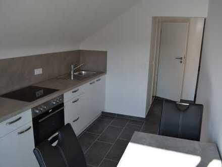 Vollständig renovierte 1-Zimmer-Dachgeschosswohnung mit EBK in Walzbachtal