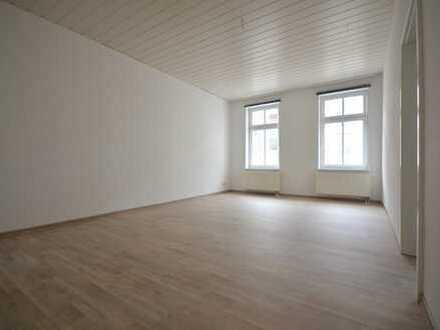 neu renovierte 2-Raum-Wohnung mit EBK