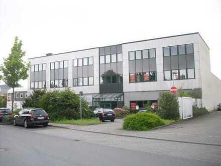 824 m² Halle & ca. 400 m²Büro in verkehrsgünstiger Lage provisionsfrei zu vermieten!!!