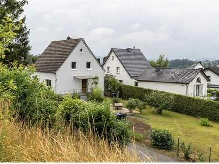 Saniertes, freistehendes Einfamilienhaus Ortsrandlage Hillesheim