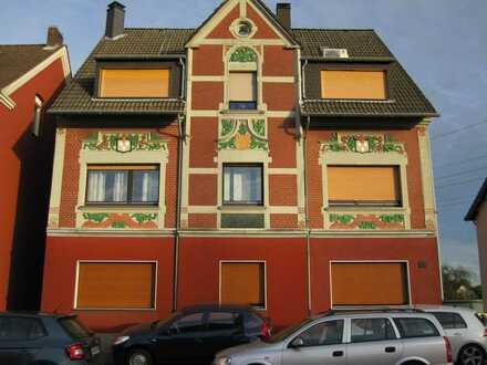 Für den Kennerblick ! Ca. 65 m² Wfl. voll klimatisierte ETW. mit Gartenbereich + Garage.