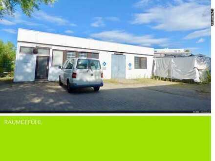 Einfache Lagerhalle im Gewerbegebiet (Hagsfeld)