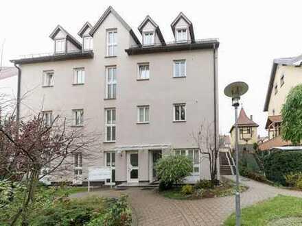 Zur Wohnung umwandelbare Gewerbeimmobilie in Toplage