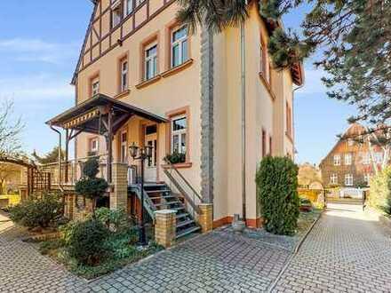 Imposante Villa mit großzügigem Grundstück!