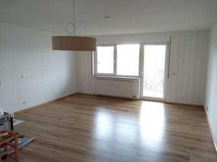 Schöne 3 Zimmer Wohnung mit Balkon und Einbauküche in Pfedelbach-Windischenbach