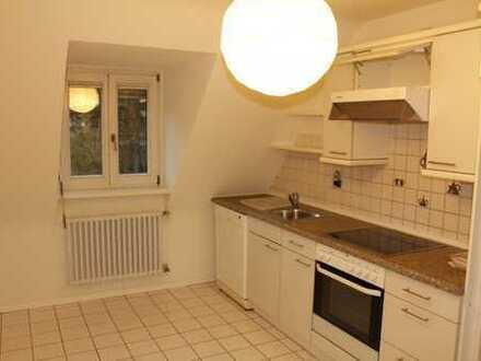 Schöne drei Zimmer DG-Wohnung in Freiburg im Breisgau, Herdern