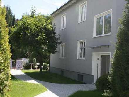 Schöne Ein Zimmer Wohnung mit Kochgelegenheit, WC/Dusche in Aystetten