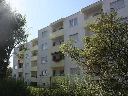 Top gepflegte 4-Zimmer-Wohnung mit Balkon in ruhiger Lage