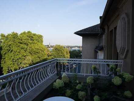Wunderschöne helle denkmalgeschützte 4-Zimmer-Altbau Wohnung mit Rheinblick und 2 Balkonen in Mainz