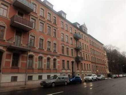 Super Lage ! 1-Raum DG- Wohnung in Schloßchemnitz, Haus mit Lift!