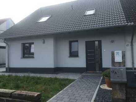 Schönes, geräumiges Haus mit fünf Zimmern in Main-Taunus-Kreis, Hattersheim am Main