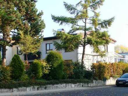 Renoviertes, lichtdurchflutetes REH mit idyll. Garten im begehrten Wolfsfeld in WI-Bierstadt