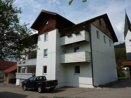 3,5-Zimmer-Wohnung mit Balkon und EBK in Missen