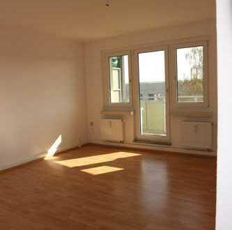 TOP-Wohnung zum TOP-Mietpreis - Balkon - Wanne - direkt am Stadtpark*