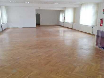 26.05.21 - Besichtigung-Büro und Austellung - 2 Etagen -320 m² m.Parkettboden - 2 Monate mietfrei -