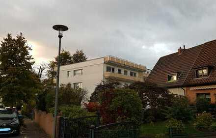 Vollständig renovierte 3-Zimmer-Wohnung mit Balkon in Bergisch Gladbach