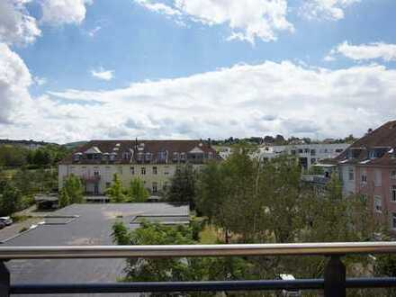 Penthousewohnung mit 2 Balkone, Küche und Tiefgarage!