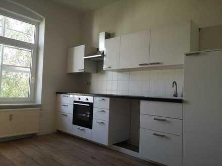Frisch renovierte 3-Raum Wohnung mit 86 m2 Wohnfläche im Zentrumsnähe von Plauen!