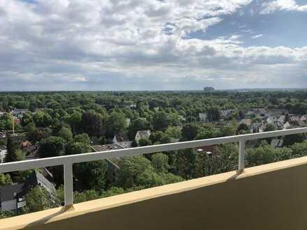 Gepflegte Wohnung mit drei Zimmern und Balkon in Augsburg