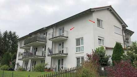 Helle und geräumige 2 Zi. Wohnung im 2.OG mit Balkon / Betreutes Wohnen