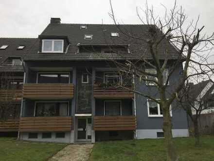 Renovierte 2,5-Zimmer-Wohnung mit Balkon in Bochum Hiltrop