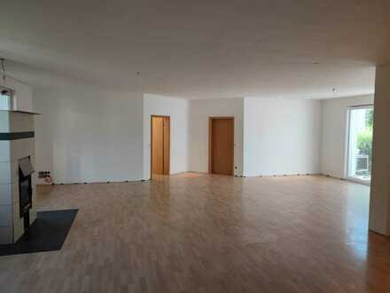 Schönes, geräumiges Haus mit fünf Zimmern in Main-Spessart (Kreis), Erlenbach bei Marktheidenfeld