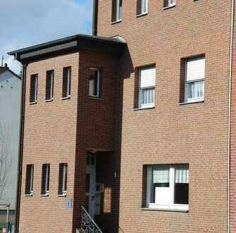 80 qm sanierte 2-Zimmer-Paterre-Wohnung mit EBK+großer beheizter Veranda in Oppener Str. 1, Würselen
